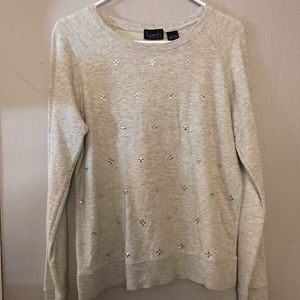 Basic sweater with jewels